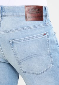 Tommy Jeans - ORIGINAL STRAIGHT RYAN BELB - Jean droit - berry light blue - 4
