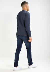 Tommy Jeans - SKINNY SIMON - Jeans Skinny Fit - dynamic true dark - 2