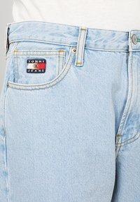 Tommy Jeans - CREST DAD - Džíny Straight Fit - light blue denim - 3