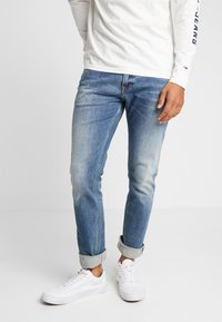 Tommy Jeans - SCANTON HERITAGE - Džíny Slim Fit - light-blue denim - 0