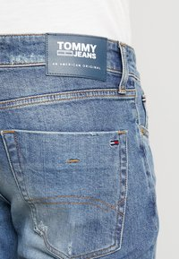 Tommy Jeans - SCANTON HERITAGE - Džíny Slim Fit - light-blue denim