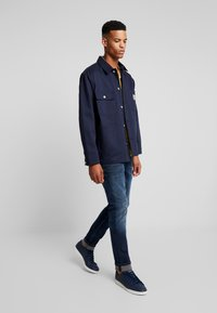 Tommy Jeans - SCANTON  - Jeans slim fit - cherry - 1