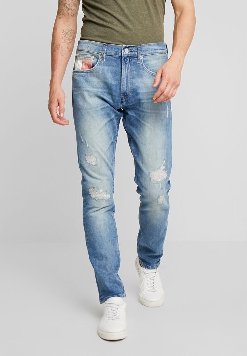 Tommy Jeans - MODERN TAPERED 1988 SKYLT - Jeans Tapered Fit - sky light blue