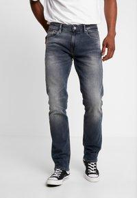Tommy Jeans - RYAN  - Džíny Straight Fit - dark-blue denim - 0