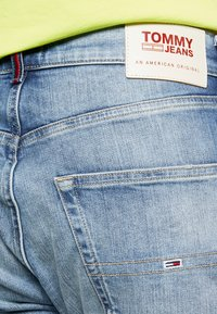 Tommy Jeans - 1988 RELAXED TAPERED - Jeans relaxed fit - moon mid blue - 4