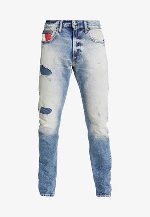 RELAXED TAPERED - Zúžené džíny - clark light blue