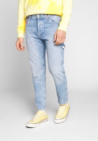 Tommy Jeans - TAPERED CARPENTER - Jeansy Zwężane - light-blue denim - 0