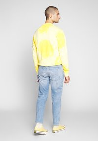 Tommy Jeans - TAPERED CARPENTER - Jeansy Zwężane - light-blue denim - 2