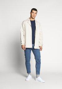 Tommy Jeans - DAD JEAN - Straight leg jeans - blue denim - 1