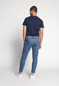 Tommy Jeans - DAD JEAN - Straight leg jeans - blue denim - 2