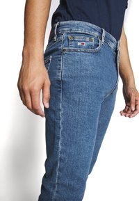 Tommy Jeans - DAD JEAN - Straight leg jeans - blue denim - 3