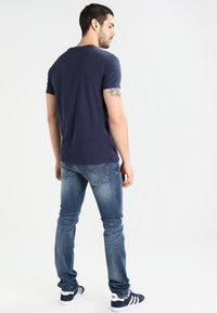 Tommy Jeans - ORIGINAL TEE REGULAR FIT - Basic T-shirt - black iris - 2