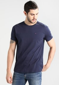 Tommy Jeans - ORIGINAL TEE REGULAR FIT - T-shirt - bas - black iris - 0