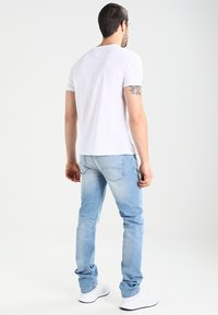 Tommy Jeans - ORIGINAL TRIBLEND REGULAR FIT - T-shirt basic - classic white - 2