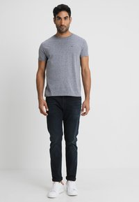 Tommy Jeans - ORIGINAL TRIBLEND REGULAR FIT - T-shirt basic - black iris - 1