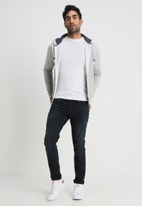 Tommy Jeans - ORIGINAL SLIM FIT - T-shirt à manches longues - classic white - 1
