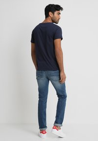 Tommy Jeans - ORIGINAL REGULAR FIT - Camiseta básica - black iris - 2