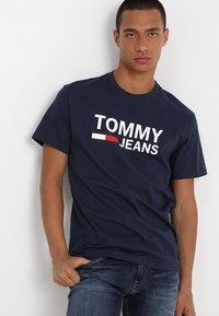 Tommy Jeans - CLASSICS LOGO TEE - Print T-shirt - blue - 0