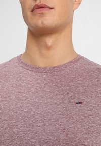 Tommy Jeans - ESSENTIAL TRIBLEND TEE - T-shirt basique - red - 4
