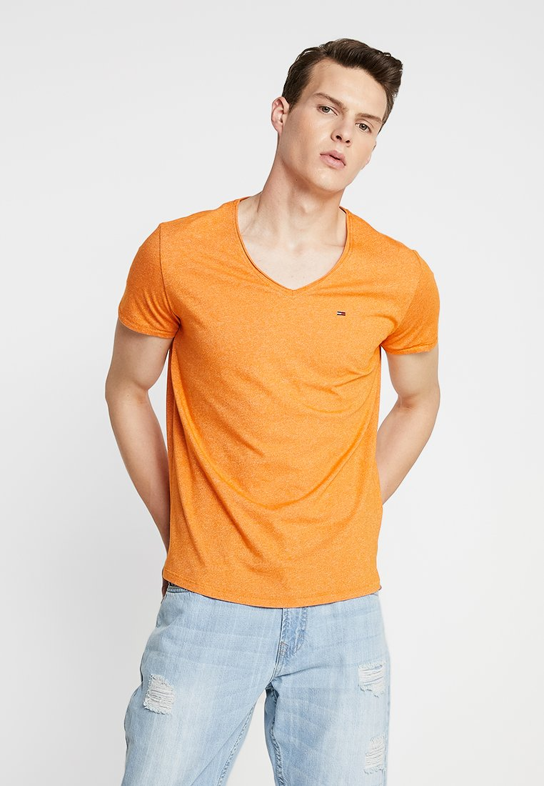 Tommy Jeans - BASIC VNECK TEE SLIM FIT - T-Shirt basic - orange