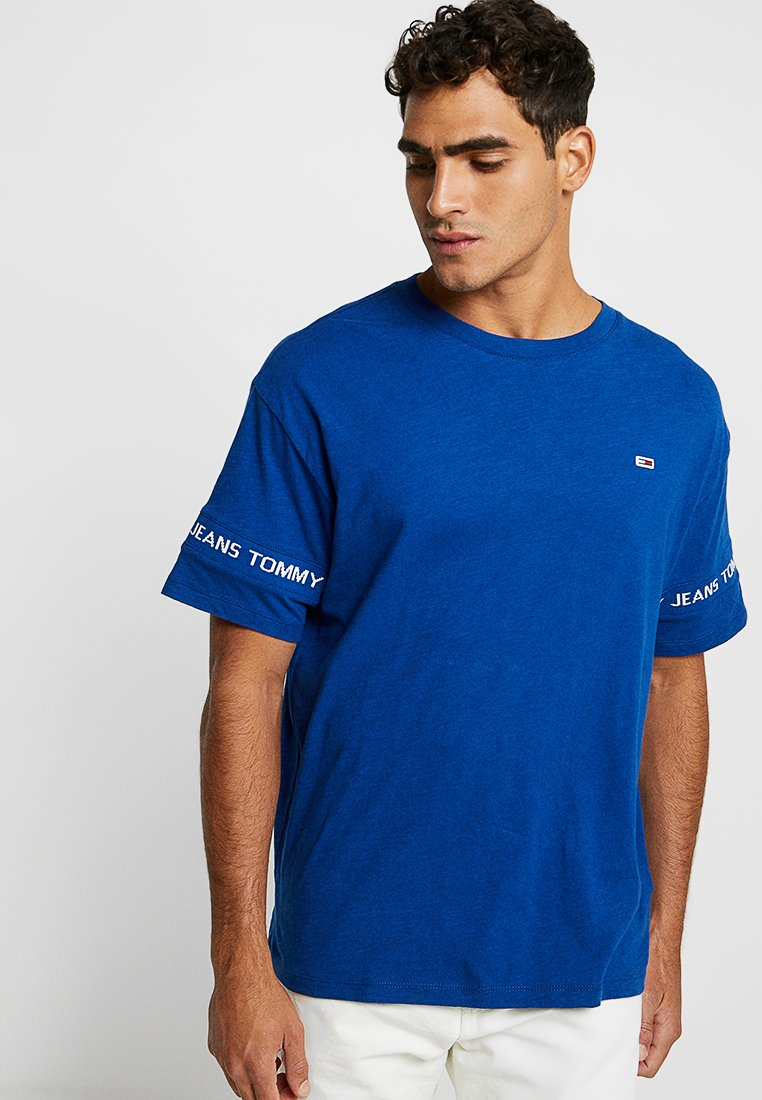 Tommy Jeans - ARM BAND TEE - Print T-shirt - blue