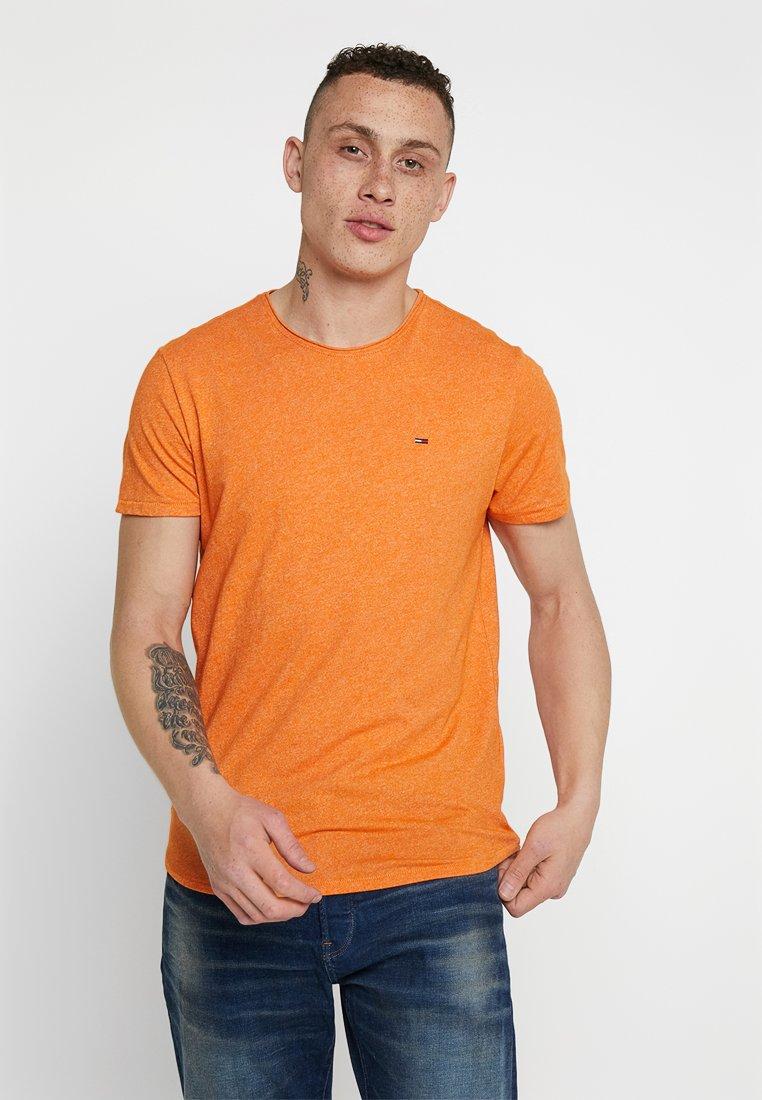 Tommy Jeans - ESSENTIAL JASPE TEE - Camiseta básica - orange