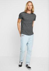 Tommy Jeans - ESSENTIAL JASPE TEE - Jednoduché triko - black - 1