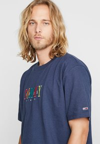 Tommy Jeans - SHORTSLEEVE TEE - T-shirt print - blue - 3
