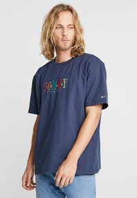 Tommy Jeans - SHORTSLEEVE TEE - T-shirt print - blue - 0