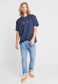 Tommy Jeans - SHORTSLEEVE TEE - T-shirt print - blue - 1