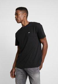 Tommy Jeans - CLASSICS TEE - T-shirt basic - black - 0