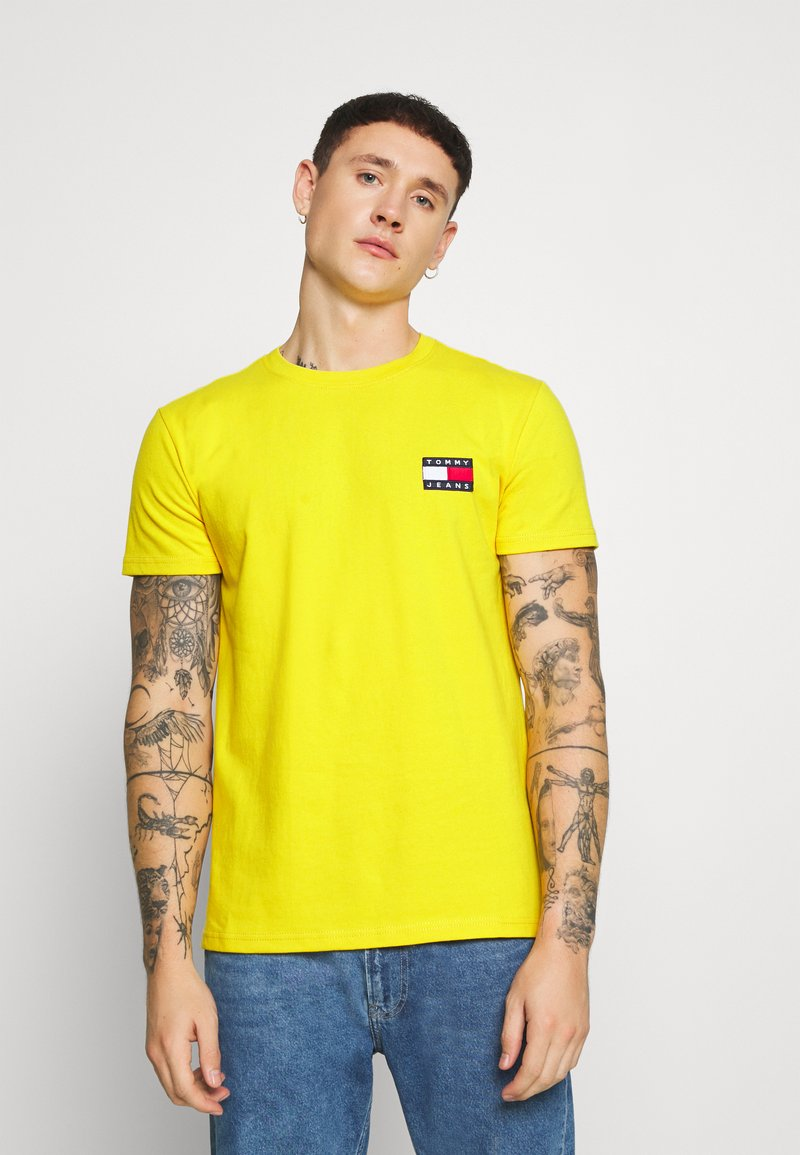 Tommy Jeans - BADGE TEE - T-shirt basic - star fruit yellow