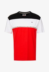 Tommy Jeans - COLORBLOCKED TAPE TEE - T-shirts med print - red - 3