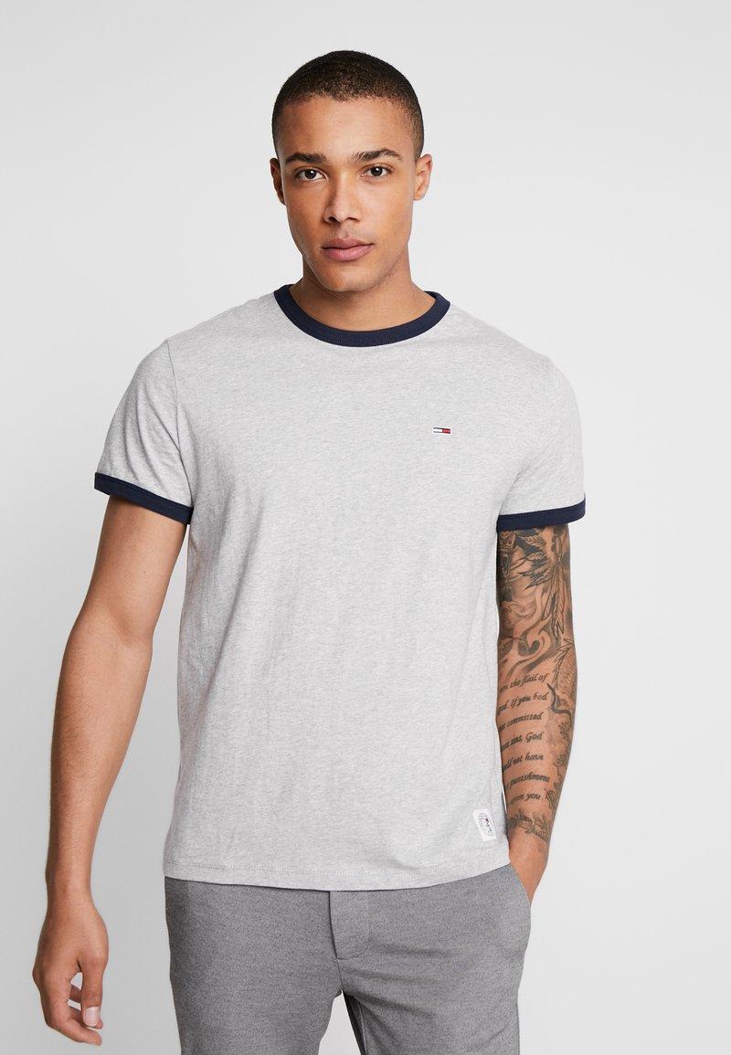 Tommy Jeans - SOLID RINGER TEE - Camiseta estampada - light grey heather