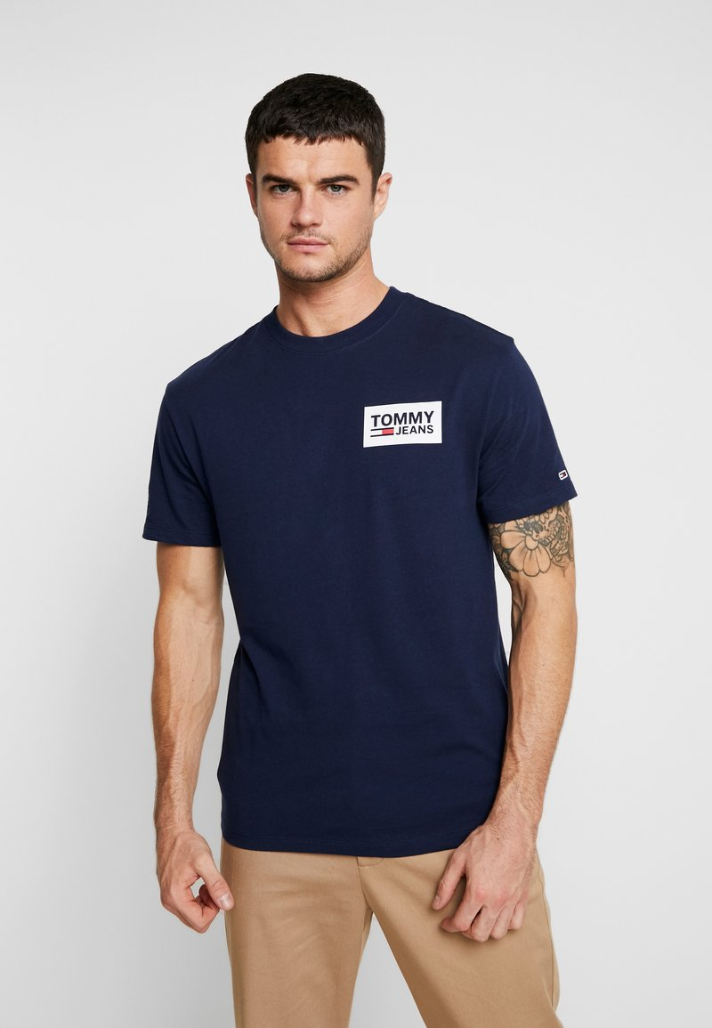 Tommy Jeans - BACK MULTILOGOS TEE - Print T-shirt - blue