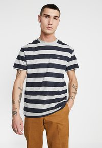 Tommy Jeans - HEATHER STRIPE TEE - Printtipaita - blue - 0