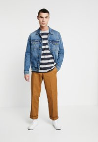 Tommy Jeans - HEATHER STRIPE TEE - Printtipaita - blue - 1
