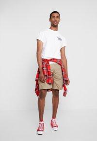 Tommy Jeans - TRAIN PHOTO TEE - T-shirt imprimé - white - 1