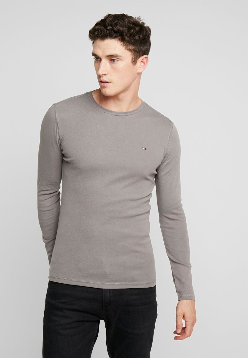 Tommy Jeans - LONG SLEEVE TEE - Langarmshirt - charcoal gray