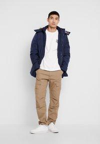 Tommy Jeans - BADGE  - Bluzka z długim rękawem - classic white - 1