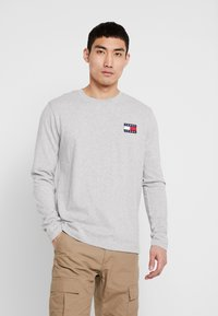 Tommy Jeans - BADGE  - Maglietta a manica lunga - light grey heather - 0