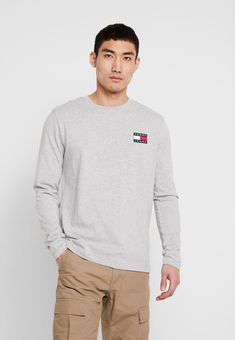 Tommy Jeans - BADGE  - Maglietta a manica lunga - light grey heather