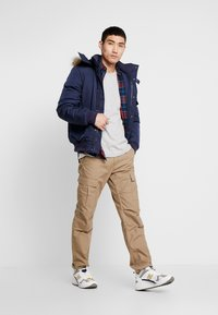 Tommy Jeans - BADGE  - Maglietta a manica lunga - light grey heather - 1