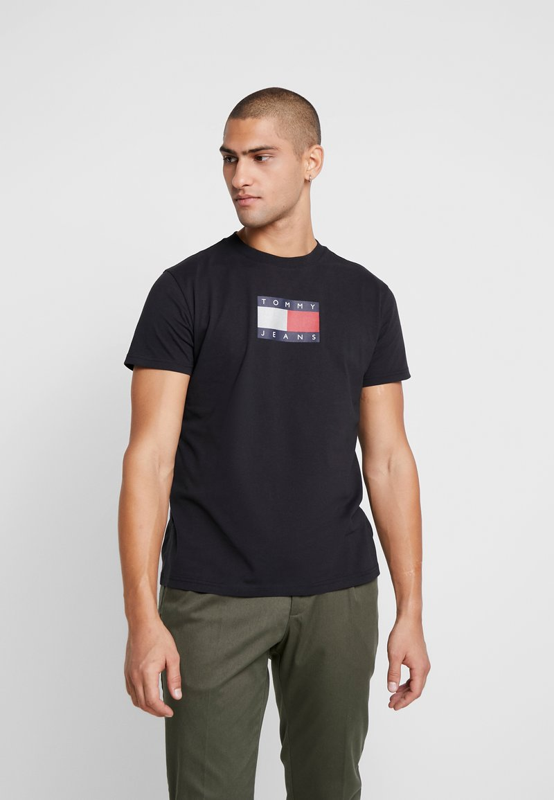 Tommy Jeans - METALLIC FLAG TEE - T-shirt print - black