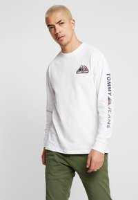 Tommy Jeans - USA MOUNTAIN LOGO TEE - Långärmad tröja - classic white - 0