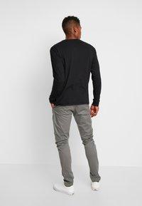 Tommy Jeans - CLASSICS LONGSLEEVE TEE - Long sleeved top - black - 2