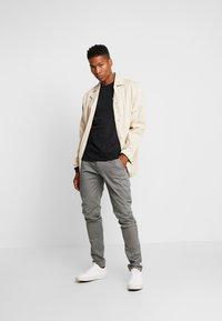 Tommy Jeans - CLASSICS LONGSLEEVE TEE - Bluzka z długim rękawem - black - 1