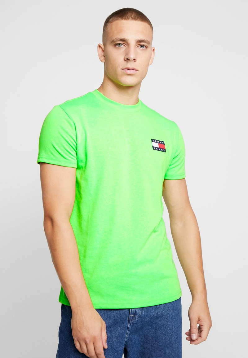 Tommy Jeans - BADGE TEE - T-shirt basic - green geco