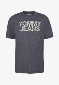 Tommy Jeans - CAMO GROUND LOGO TEE - Print T-shirt - twilight navy - 4