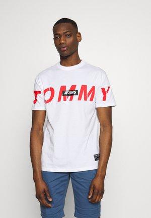 TJM BOLD TOMMY LOGO TEE - Print T-shirt - white